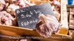 Frischen Knoblauch gibt es auf dem Markt in Vienne
