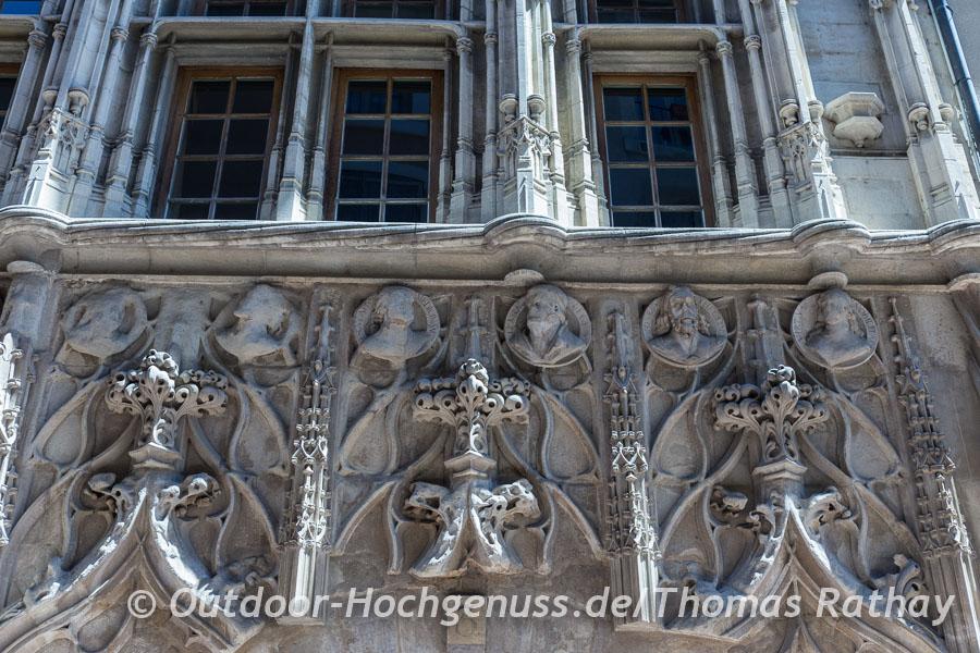 Nicht wirklich gruselig das Maison des Têtes (Haus der Köpfe) in Valence