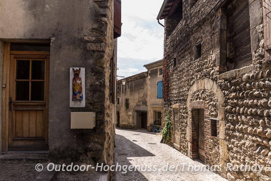 So schön, die Villages de Caractère in der Ardeche, Beauchastel und Rochemaure liegen direkt an der ViaRhôna