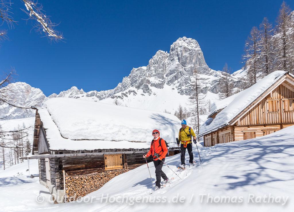 Schneeschuhtour unterhalb des Dachsteinmassivs