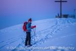 Das Gipfelkreuz der Martinshöhe in greifbarer Nähe