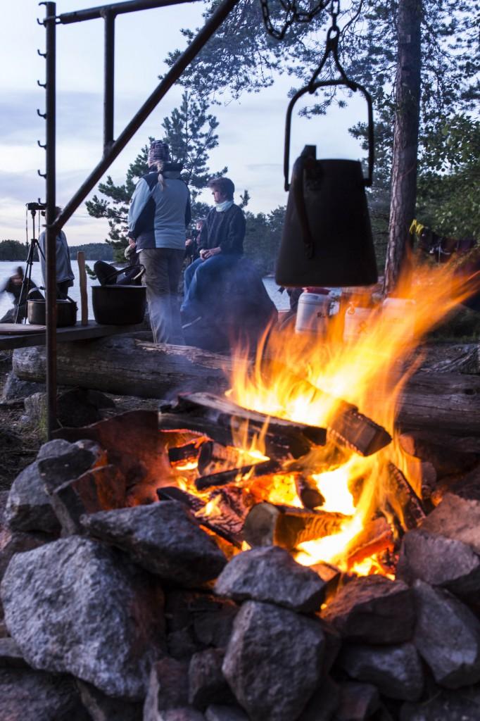 Kochen am Lagerfeuer in Schweden.