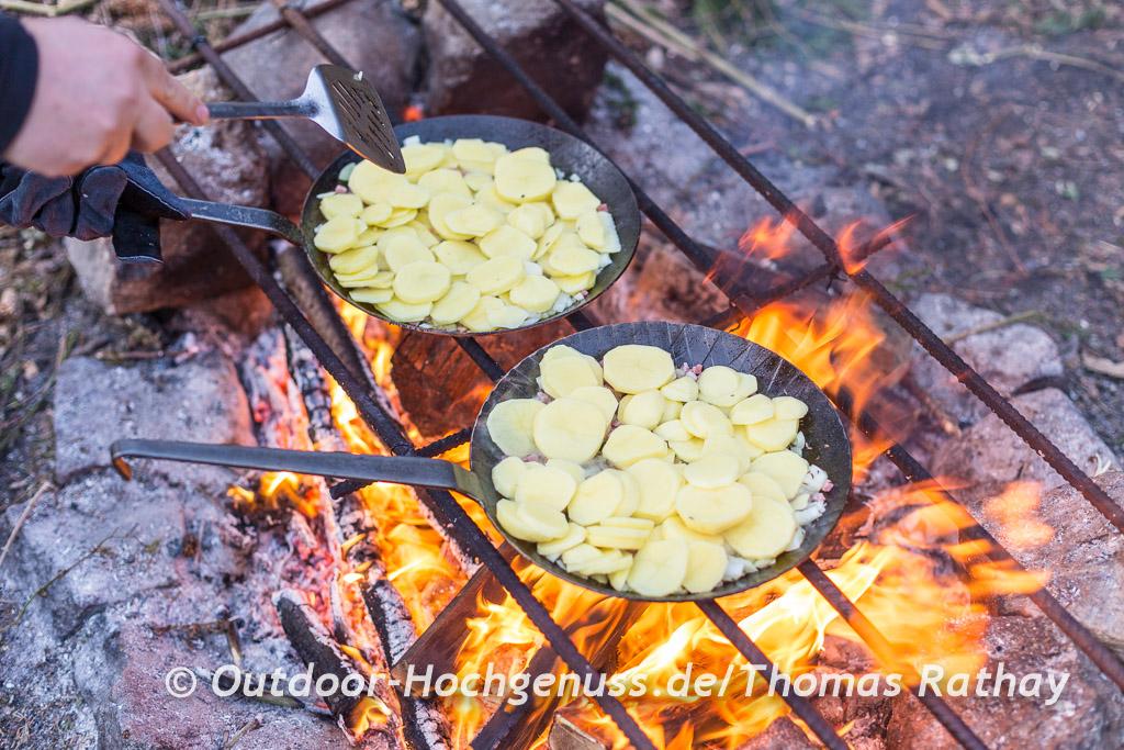 Bratkartoffeln am Lagerfeuer