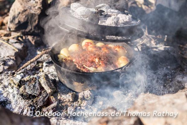 Kochen und backen am Lagerfeuer im Barnim