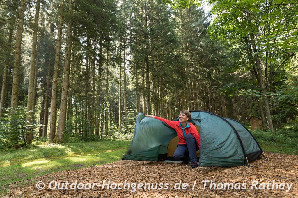 Himmlische Nachtruhe im Trekking-Camp, dann gehts ausgeschlafen aus dem Zelt.
