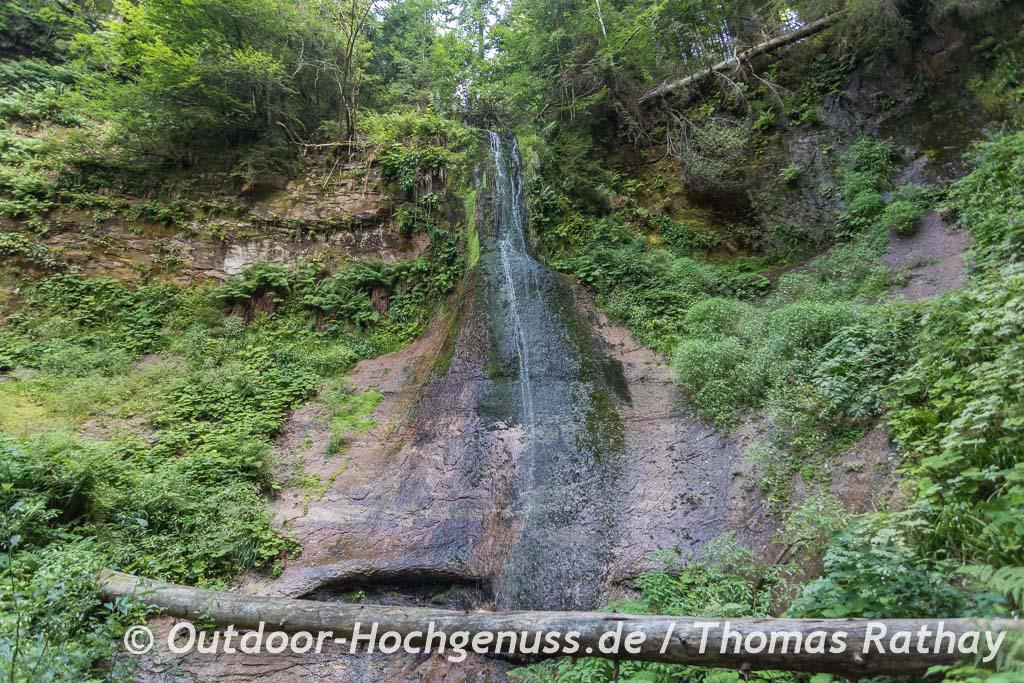 Sankenbachwasserfall auch er liegt auf der Wanderung zum nächsten Trekking-Camp