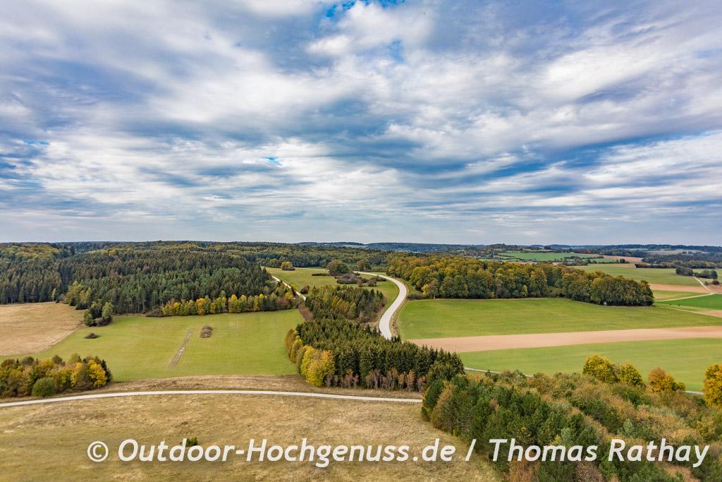 Blick vom Aussichtsturm auf der Albhochfläche bei Heroldstatt