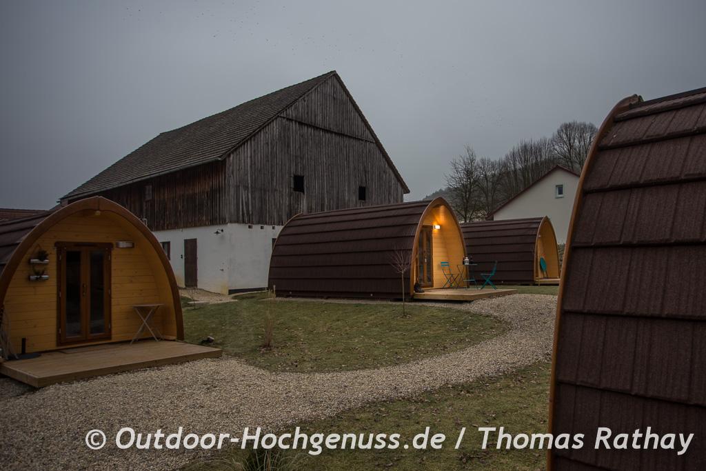 Die besondere Übernachtung: Das *Hüttendorf Fränkische Schweiz*