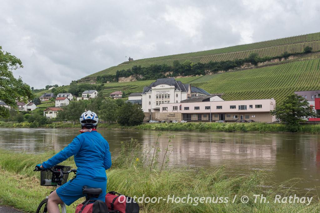 Blick von der Deutschen Moselseite auf Luxemburg