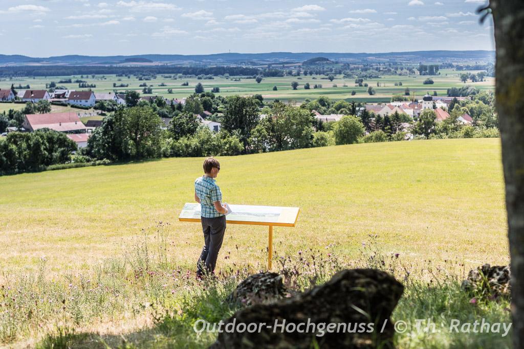 Wandern auf dem Sagenweg im *Geopark Ries* - Ferienland Donau-Ries