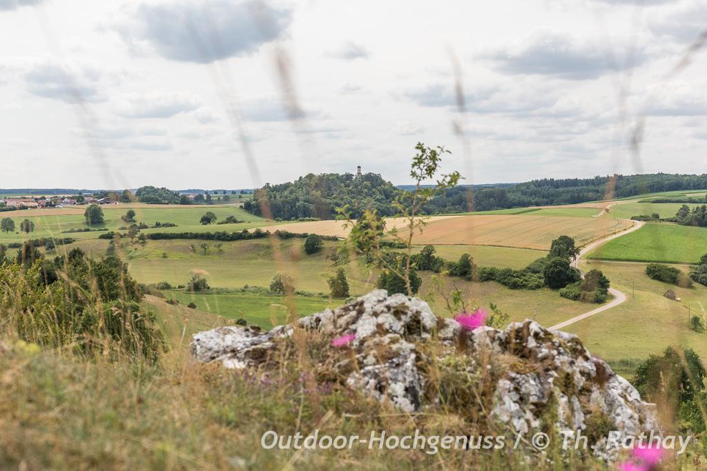Hügelwanderung im Kessel im Ferienland Donau-Ries