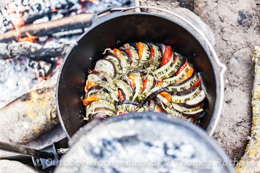 Tian de légumes - Gemüsegratin im Dutch Oven - Feuertopf