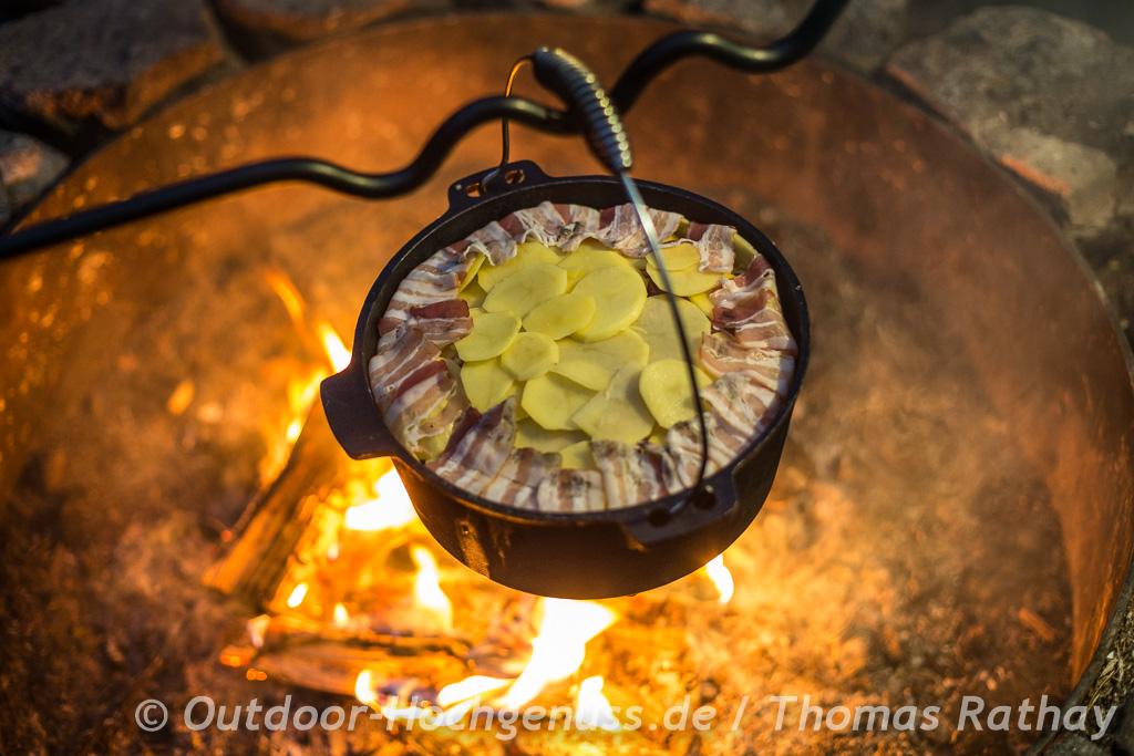 Sauerkrautauflauf am Lagerfeuer