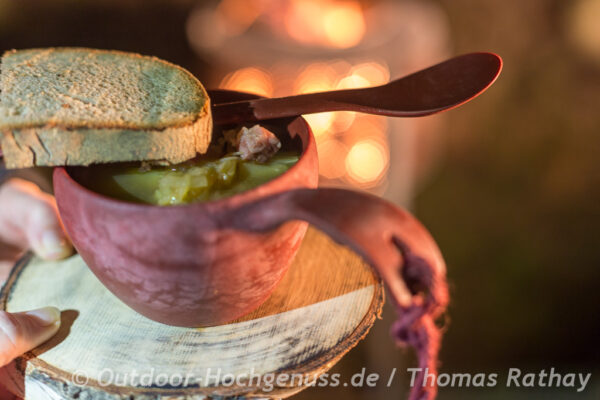 Sauerkrautsuppe auf der Kochmaschine zubereitet