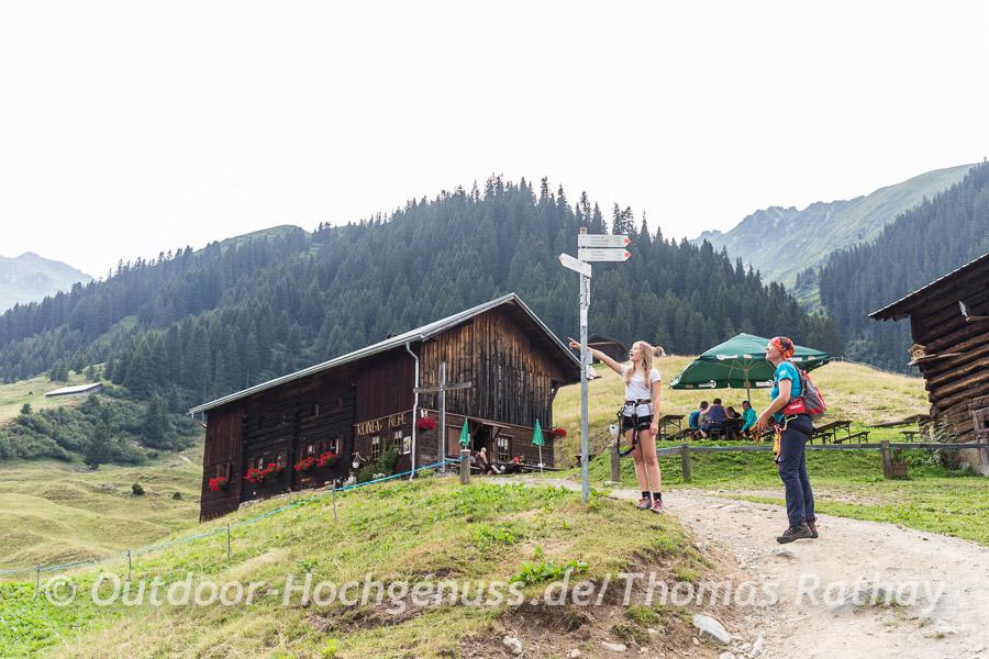 Verdiente Einkehr auf der Rongg Alpe