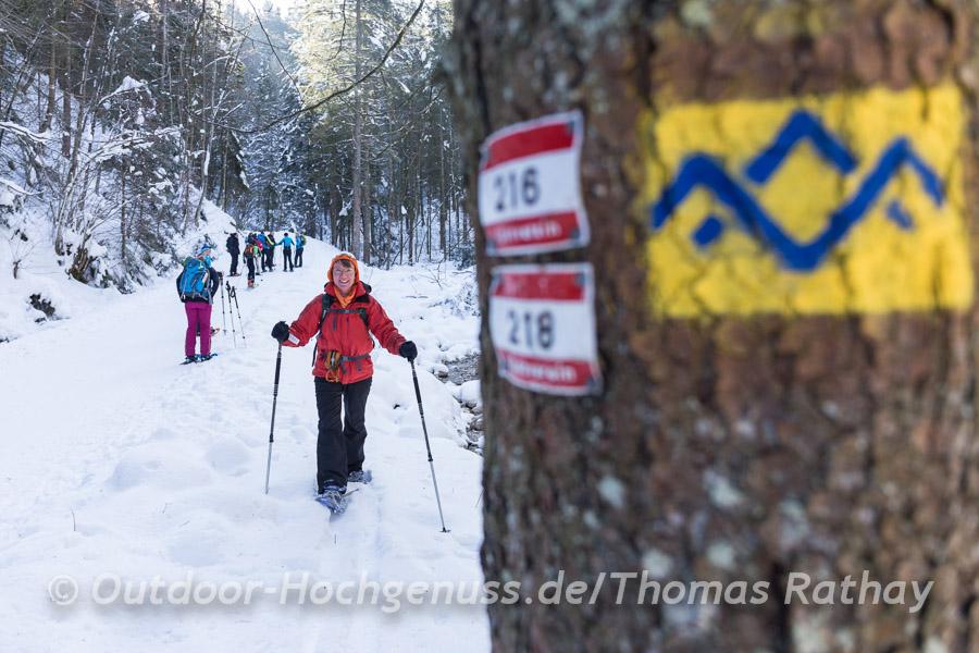 Start der Schneeschuhtour entlang der Rodelbahn