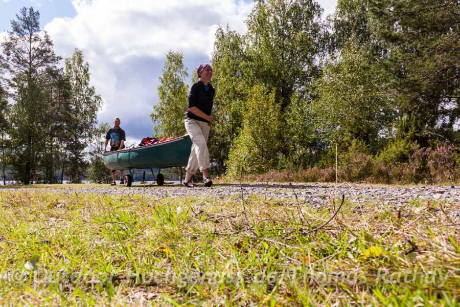 Kanuwandern im Spätsommer in Schweden macht glücklich.