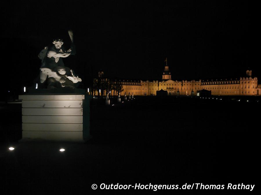 Karlsruhe bei Nacht.