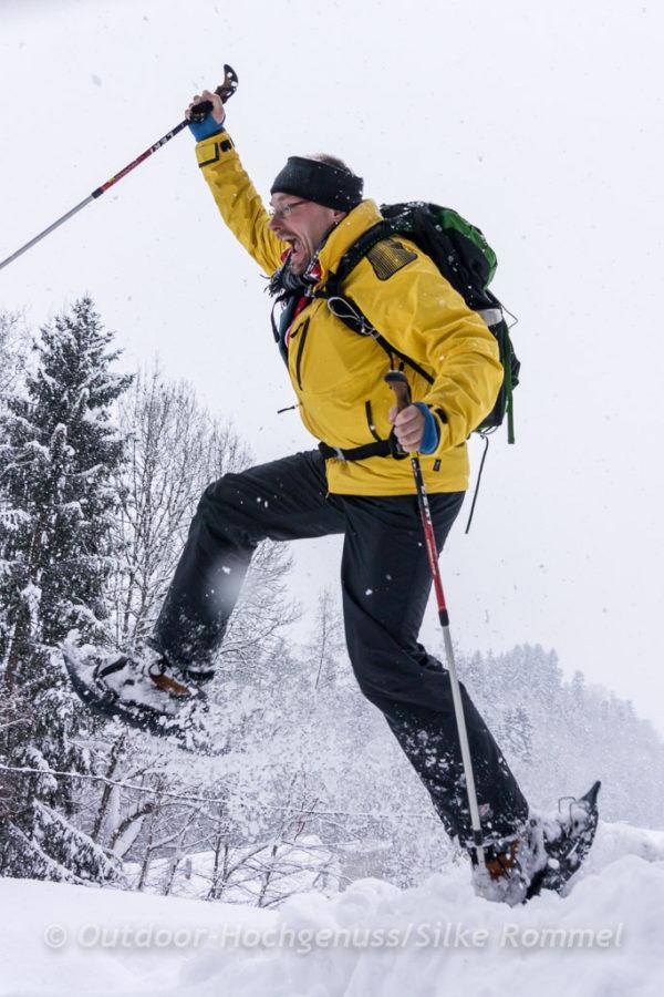 Schneeschuh Sprung